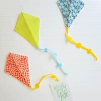 DIY Kite Invitations...TOO cute! Try with other themes...