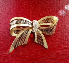 Vintage Boucher Signed Gold Tone Bow Brooch Pin #Boucher #vintagebrooch #brooch #platinumrooster #bow #gift
