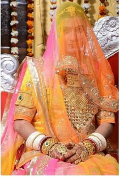 Indian Bridal Fashion, Indian Wedding Jewelry, Indian Wedding Outfits, Bridal Jewelry, Royal Dresses, Indian Dresses, Rajput Jewellery, Rajasthani Dress, Rajasthani Bride