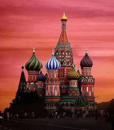Moscow, Russia 一度は見てみたい、これとタージマハル。