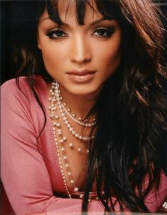 And why Mayte Garcia net worth is so massive? Mayte Garcia net worth is definitely at the very top level among other celebrities, yet why? Classy And Fabulous, Beautiful One, Beautiful People, Amazing People, Mayte Garcia, Prince And Mayte, The Artist Prince, Dark Autumn, Prince Rogers Nelson
