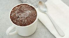 Bisquick triple chocolate mug cake. Mug Cake Micro Onde, Cake Sans Oeuf, Nutella, Mug Recipes, Cake Recipes, Bisquick Recipes, Waffle Recipes, Chocolate Mug Cakes, Betty Crocker