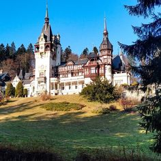 Insta Pictures, Romania, Travel Photography, Castle, Sky, Mansions, House Styles, Instagram, Heaven