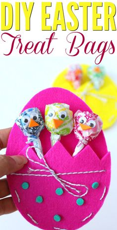 If you're a school teacher or a Sunday School teacher then you will love to make this craft for your students or children for Easter! They are DIY Easter Treat Bags and they are too darn cute! Easter Baskets To Make, Easter Baskets For Toddlers, Easter Gifts For Kids, Diy Easter Bags, Easter Stuff, Crafts For Teens To Make, Diy And Crafts, Easy Crafts, Kid Crafts