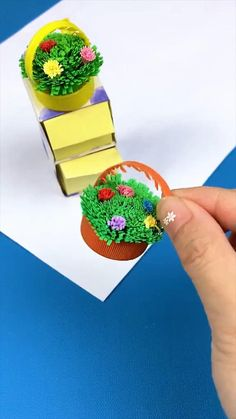Cool Paper Crafts, Diy Resin Crafts, Diy Crafts Hacks, Paper Crafts Origami, Diy Crafts For Gifts, Diy Arts And Crafts, Origami Paper, Creative Crafts, Fun Crafts