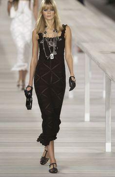 Chanel at Paris Fashion Week Spring 2004 - Runway Photos