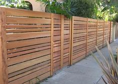 Modern, horizontal fencing with varying sized slats House Fence Design, Wood Fence Design, Garden Design, Horizontal Slat Fence, Fence Slats, Fencing, Wood Fences, Modern Wood Fence, Patio Yard Ideas