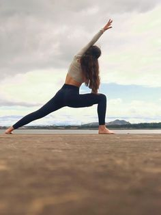 Yoga Flow, Yoga Meditation, Meditation Pictures, Yoga Position, Partner Yoga Poses, Yoga Sculpt, Yoga Photos, Yoga Pics, Basic Yoga