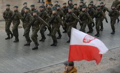 Polska flaga na stałe na placu Piłsudskiego http://dodawisko.pl/
