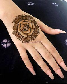 Pretty Henna Designs, Floral Henna Designs, Finger Henna Designs, Back Hand Mehndi Designs, Henna Art Designs, Wedding Mehndi Designs, Mehndi Designs For Fingers, Dulhan Mehndi Designs, Mehndi Designs For Hands
