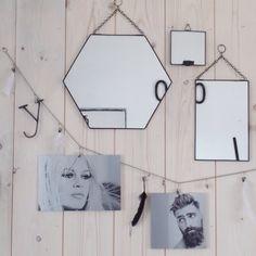 Spiegels aan de muur op ons kantoortje van Stoer Metaal in de webshop verkrijgbaar www.stoermetaal.nl