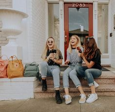 pic inspo bff pictures, friend photos и cu Best Friend Pictures, Bff Pictures, Cute Photos, Best Friend Photography, Friend Poses, Cute Friends, Best Friend Goals, Best Friends Forever, Girl Gang