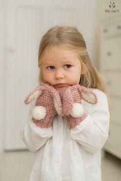 Bunny Lola warmers Crochet pattern by Muki Crafts Bunny Lola warme. Bunny Lola warmers Crochet pattern by Muki Crafts Bunny Lola warmers Crochet Mittens, Crochet Gloves, Baby Blanket Crochet, Crochet Stitches, Crochet Baby, Baby Knitting, Knit Crochet, Crochet Wrist Warmers, Baby Mittens