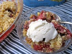 Incredibly delicious skinny strawberry almond crumble with 5 Weight Watchers Points Plus Value - a great Easter Dessert