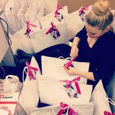 Organising @The Wet Brush press kits to send to Beauty Editors! #thewetbrush #beautymedia #mediakit #prgirl