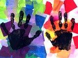 fond en papier de soie + empreinte main