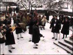 Calin Brateanu si Gospodarii din Fundu Moldovei - Obicei de Anul Nou - YouTube Anul Nou, Fur Coat, Youtube, Fur Coats