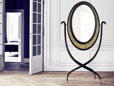 Curling, twisting and plaiting of fine threads of metal results in a sublime artistic expression named Filigree. This piece of art of ancient origin, that has only a few knowledgeable artisans reproducing the technique today, is proudly displayed on the Viana floor mirror and Viana dressing table by Malabar.