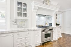 Traditional Kitchen Hamptons Style Kitchen Marble benchtops and splashback