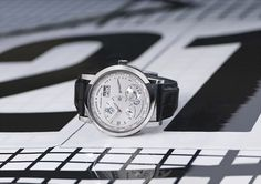 Lange & Söhne produces an exclusive timepiece for the winner of the Concorso d'Eleganza Villa d'Este Frank Stella, Time Zones, Bmw, Michael Kors Watch, Omega Watch, Watches, Accessories, White Gold, Wristwatches