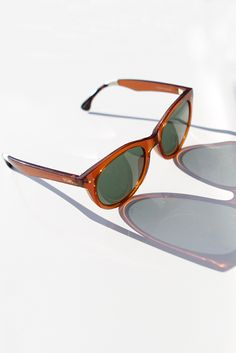 Vintage-inspired, the TOMS Margeaux Sunglasses have just a touch of mischief to keep things fun.