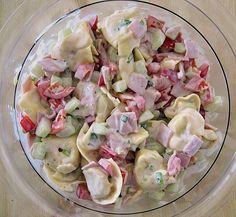 Tortellinisalat, ein gutes Rezept aus der Kategorie Beilage. Bewertungen: 67. Durchschnitt: Ø 4,2.