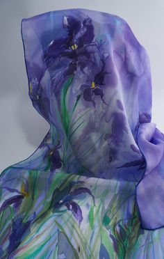 Echarpe foulard en soie peint main hand silk painted Soie Peinte, Echarpe,  Foulard, 9e7859cc9d4