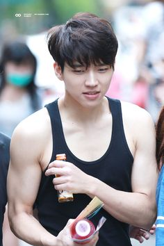 ...oh. my. goodness. I don't even... Woohyun stop it.