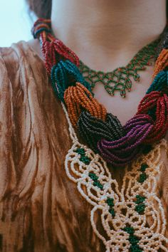 Handmade jewelry by Egyptian bedouins, learn how to layer handmade jewelry with your daily outfits! Simple Summer Outfits, Homemade Jewelry, Handmade Accessories, Egyptian, Crochet Necklace, Urban, Street Style, Diy, Fashion Bloggers