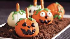 This Halloween frighten your guests with these creative cookie balls made using Pillsbury® peanut butter cookies – a perfect dessert. by manuela Halloween Cookie Recipes, Halloween Treats, Halloween Foods, Halloween Carnival, Easy Halloween, Halloween Party, Chocolate Wafer Cookies, Peanut Butter Cookies, Holloween Cookies