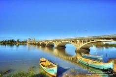 Ponte Internacional Barão de Mauá é uma ponte sobre o rio Jaguarão, na fronteira entre o Brasil e o Uruguai. A ponte tem extensão é de 340m e foi inaugurada em 1930…de www.agenciapreview.com