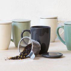 Mugs with filters for tea leaves. Price DKK 39,90 / SEK 55,80 / NOK 48,97 / EUR 5,59 / ISK 1044  #mugs #filters #tea #leaf #leaves #hotdrink #hotdrinks #coffee #kitchen #service #design #inspiration #sostrenegrene #søstrenegrene