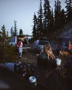 Enjoy Yourself While Camping With These Tips. Prepare yourself to learn as much as you can about camping. Camping offers an excellent opportunity for your family to share an adventure and bond, as well Camping Friends, Camping Life, Tent Camping, Beach Camping, Camping Meals, Camping Nursery, Camping Dishes, Camping Chairs, Winter Camping