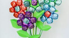 Flowers or chocolates--so hard to choose, so why not have both with this chocolate bouquet? Fabulous for Mother's Day, Teacher Appreciation. Or, as my friends… Homemade Mothers Day Gifts, Best Mothers Day Gifts, Mothers Day Gifts From Daughter, Homemade Gifts, Happy Mothers Day, Diy Gifts, Pioneer School Gifts, Pioneer Gifts, Easy Diys For Kids