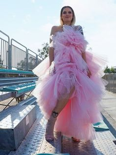 Youtubers, Evening Dresses, Stylists, Greek, Tulle, Skirts, Outfits, Fashion, Tall Clothing