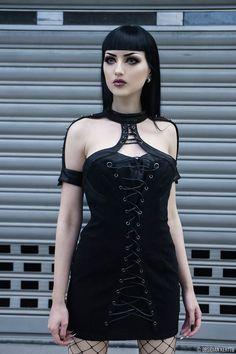 Model/MUA/Photo: © Obsidian Kerttu Dress: Punkrave Welcome to Gothic and Amazing |www.gothicandamazing.com