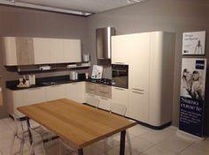 Cucina Alta modello Lounge con top e alzata in marmo. Basi e colonne ...