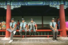 Wednesday Security : Security guards at the Summer Palace. The origins of the Summer Palace date back to 1153!      #travel #artofvisuals #instatravels #igtravels #instagood #beautifuldestinations #passionpassport #discovertheworld #discoverearth #earthofficial #travelstoke #travelblogger #doyoutravel #theglobewanderer #worlderlust #streetsnaps #TravelBug #TravelPics #TravelMore #wander #TravelAddict #wanderlust #china #visitchina #beijing #beijinglife #summerpalace #security #guards…