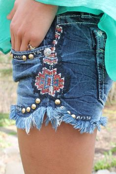Southwestern Summer Miss Me Shorts♥ Fashion Mode, Diy Fashion, Ideias Fashion, Womens Fashion, Cowgirl Style, Western Style, Western Wear, Mode Shorts, Mode Jeans