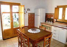 Ferienhaus: Casale Valentino - Das Ferienhaus bei Marina di Camerota verfügt über eine Essküche mit moderner Einbauküche. www.cilento-ferien.de