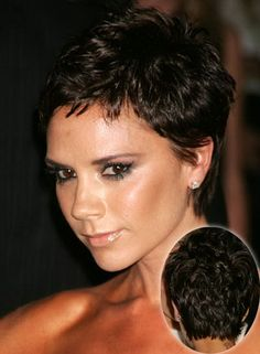 2009 Hairstyle: Short Pixie Haircut From Victoria Beckham Very Short Haircuts, Short Haircut Styles, Modern Haircuts, Short Bangs, Pixie Bangs, Messy Pixie, Short Styles, Square Face Hairstyles, Pixie Hairstyles