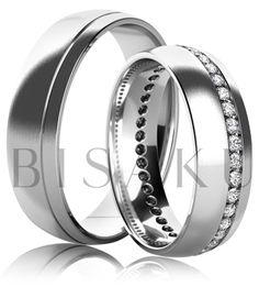K05 Snubní prsteny z bílého zlata celé v saténově matném provedení. Dámský prsten zdobený kameny. #bisaku #wedding #rings #engagement #snubni #prsteny #svatba