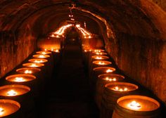 Cave wine tour - Del Dotto Vineyards, Napa Valley : watch out for this one!