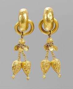 Pair of Earrings Three Kingdoms period Silla Kingdom (57B.C.–668A.D.) or Gaya Federation(42–562) 6th century Korea