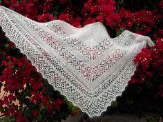 Beautiful lace shawl FREE pattern