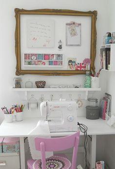 Miniregal für den Schreibtisch im Ferienhaus