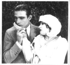 pictures of john barrymore and rudolph valentino | Pictures: L'art du baise-main au cinéma