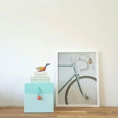 Kijk eens hoe mooi Onze Racing Bicycle Poster (30x40 cm) is nu ook opgedoken bij @mijnthuisgevoel! Bedankt voor de mooie foto   #wanddecoratie #vissevasse #poster #racefiets #deensdesign #pastel #scandinavisch #woonaccessoires