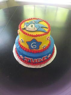 Sonic the Hedgehog cake Sonic Birthday Cake, Sonic Cake, Sonic Birthday Parties, Sonic Party, 5th Birthday Party Ideas, Birthday Party Decorations, 4th Birthday, Sonic The Hedgehog Cake, Hedgehog Birthday