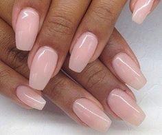 O manichiura roz pentru mireasa. Ai putea-o asorta cu niste pantofi roz pentru un mai mare impact de stil si eleganta. #manichiuramiresei, #manichiurarozmireasa, #nuntasieveniment